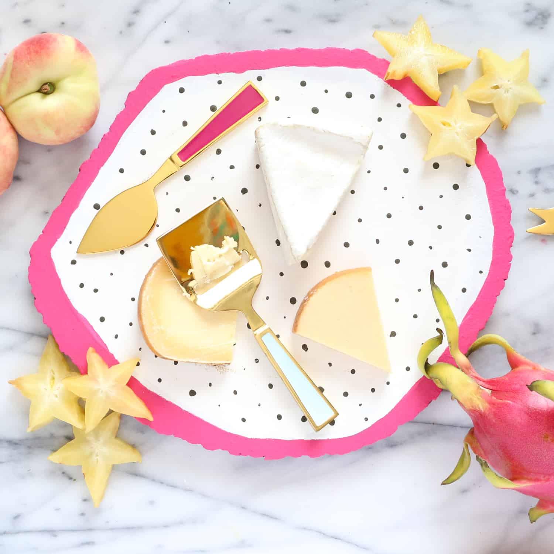DIY-A-Fruit-Slice-Cheese-Board-Click-Through-for-Tutorial