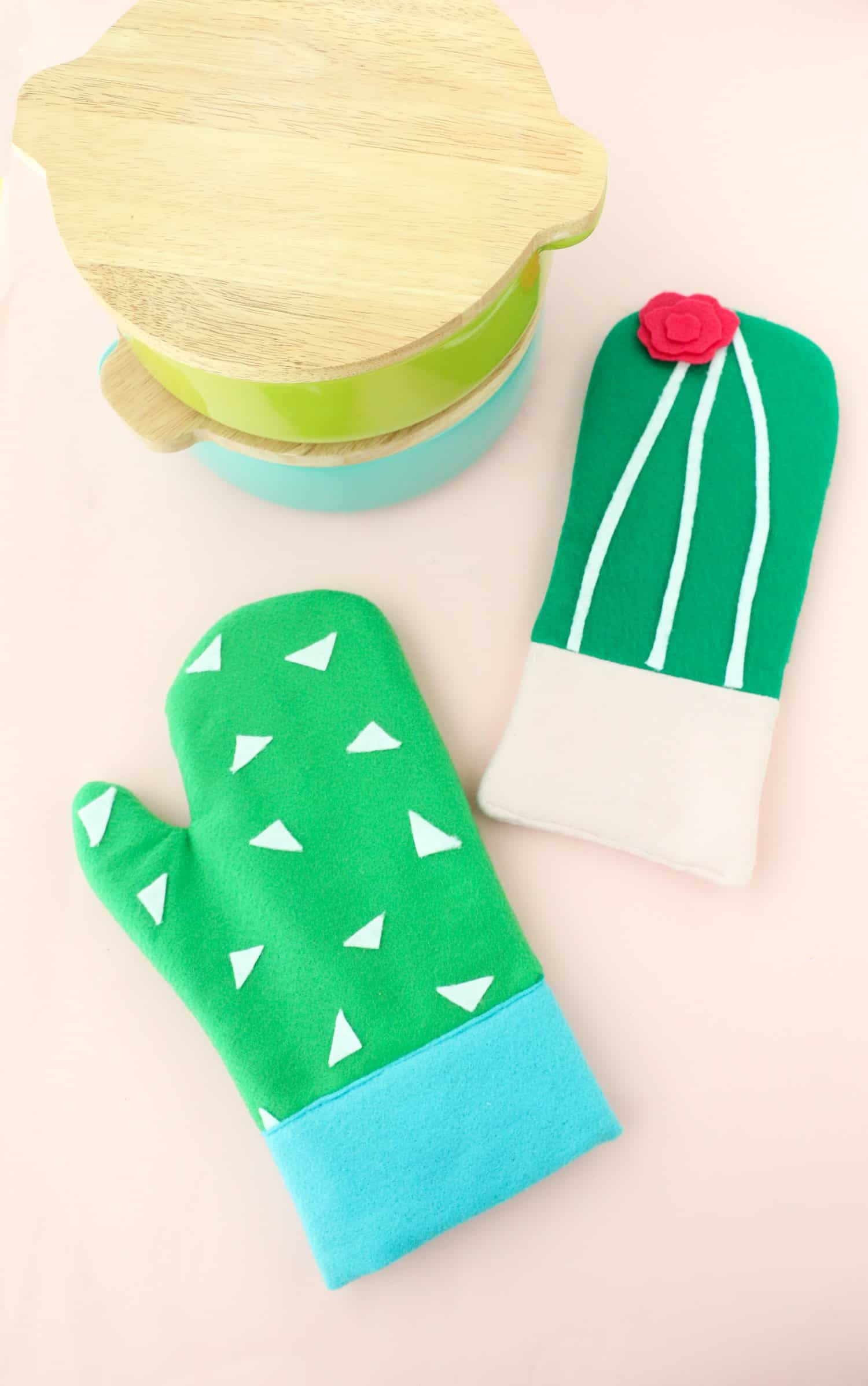 DIY-Cactus-Oven-Mitts-Click-Through-for-Tutorial-1-14