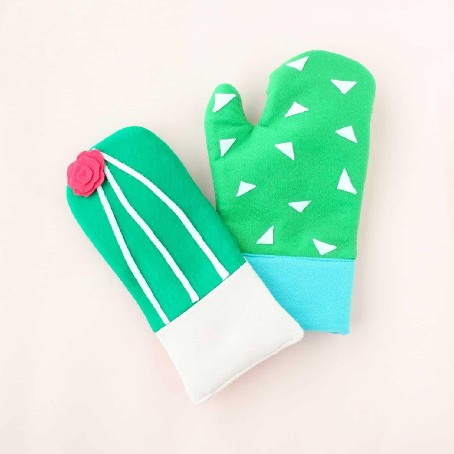 DIY-Cactus-Oven-Mitts-Click-Through-for-Tutorial