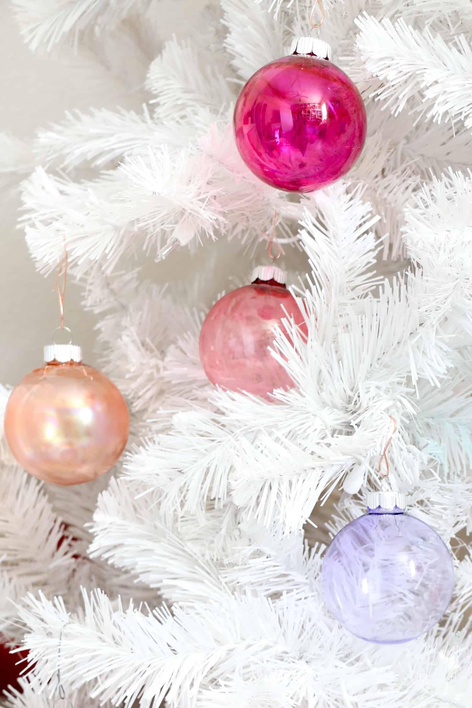 DIY-Alcohol-Ink-Ornaments