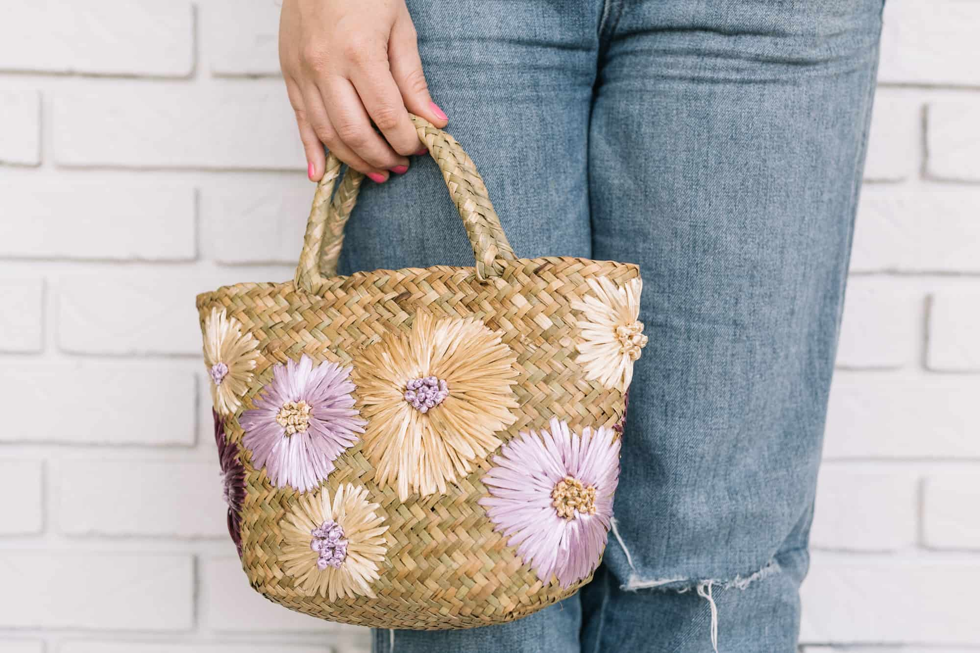 Try This Turn A Simple Straw Clutch Into The Perfect Vacation Bag