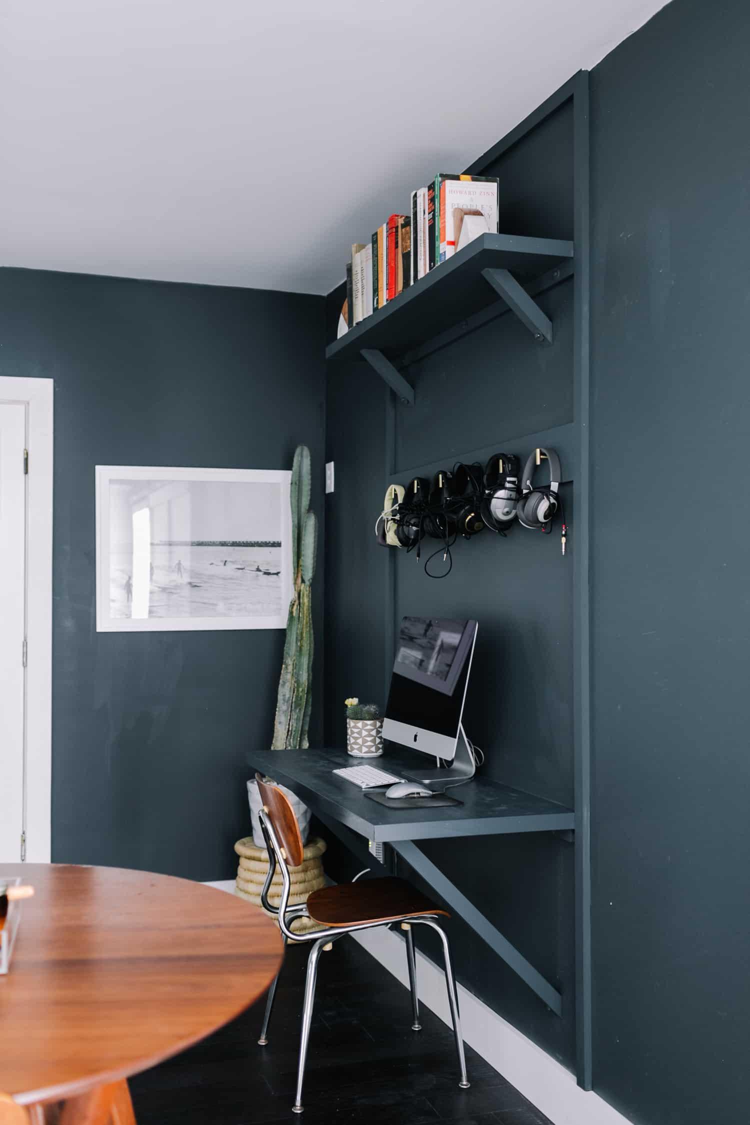 Do It Yourself Home Design: Built-In Computer Desk DIY