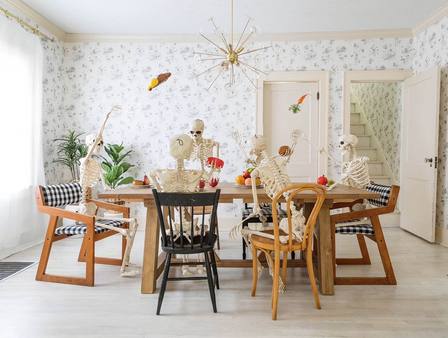 5 Ways to Decorate with Skeletons