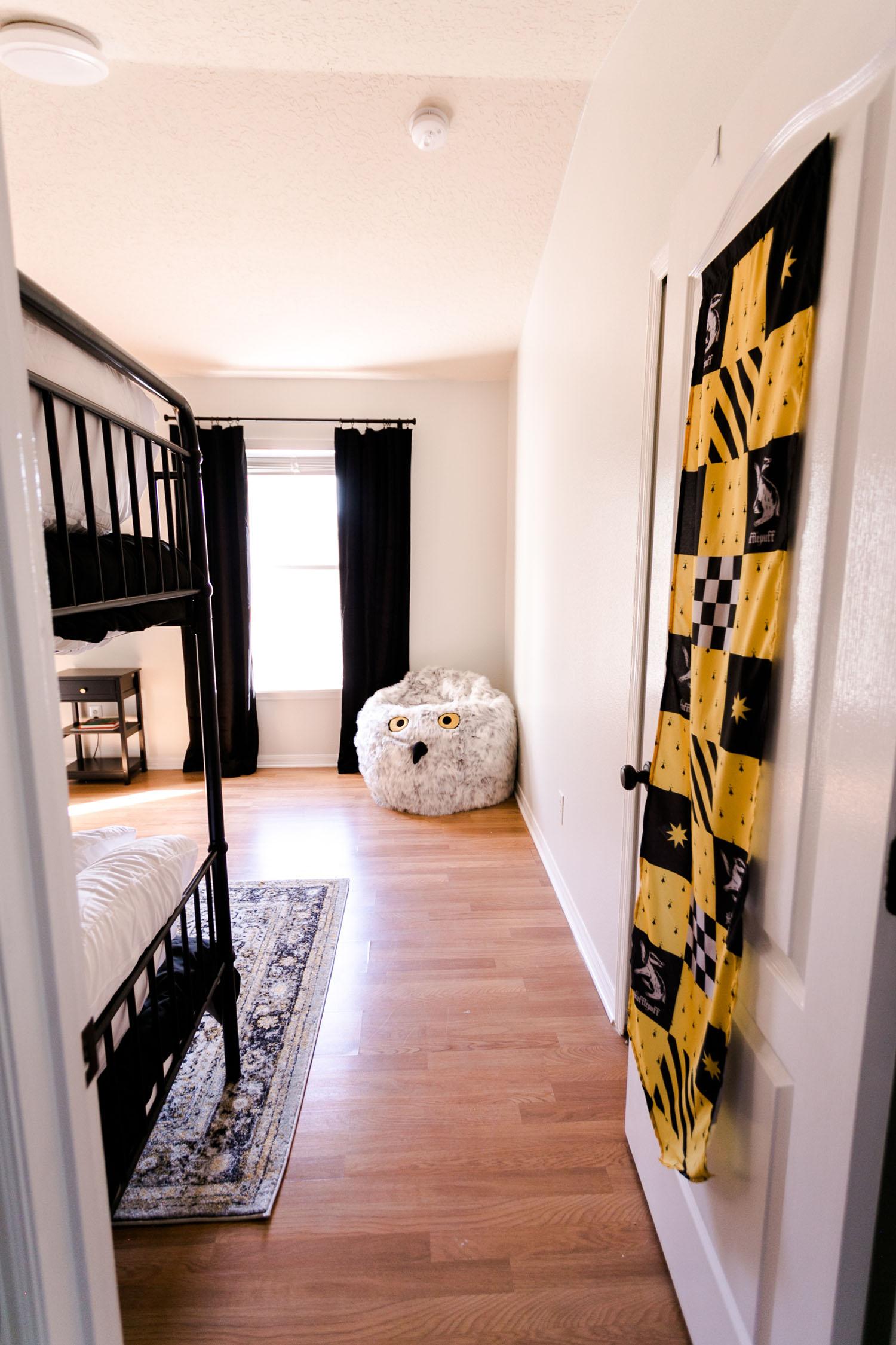 Hufflepuff-Inspired Bedroom