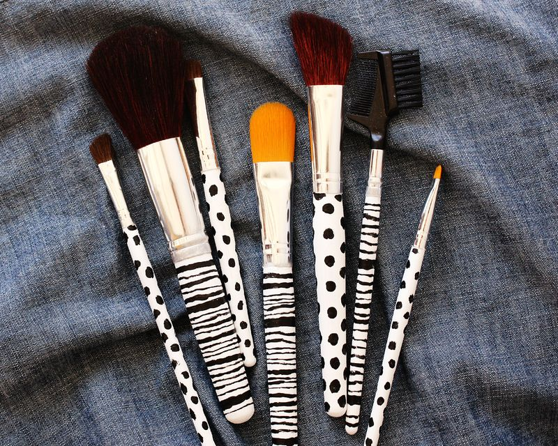 Makeup brush 1