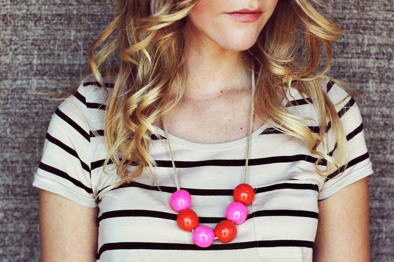 Bauble necklace DIY