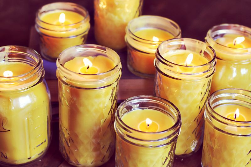 Homemade Beeswax Candles | DIY Christmas Gifts For Everyone In Your List