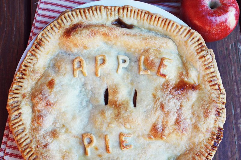 Spiced bourbon apple pie