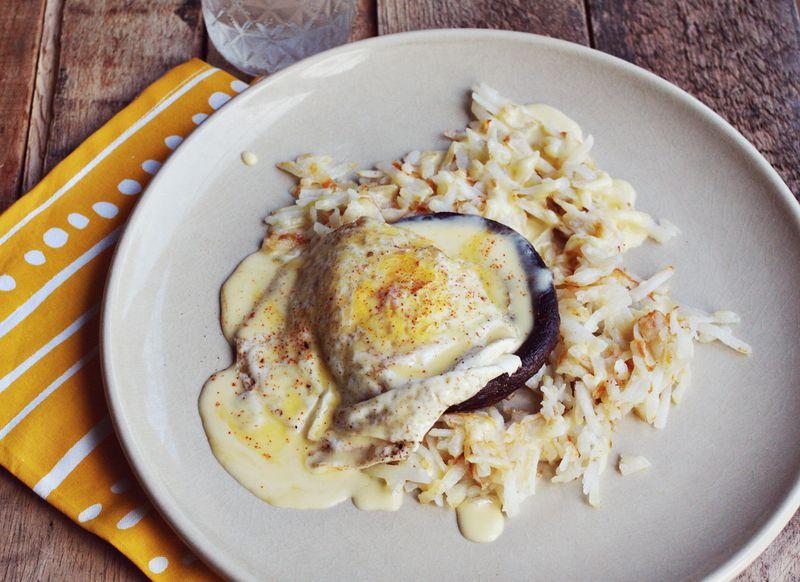 Portabello eggs benny
