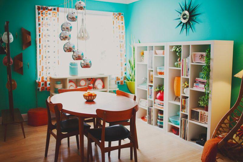 Bold dining room
