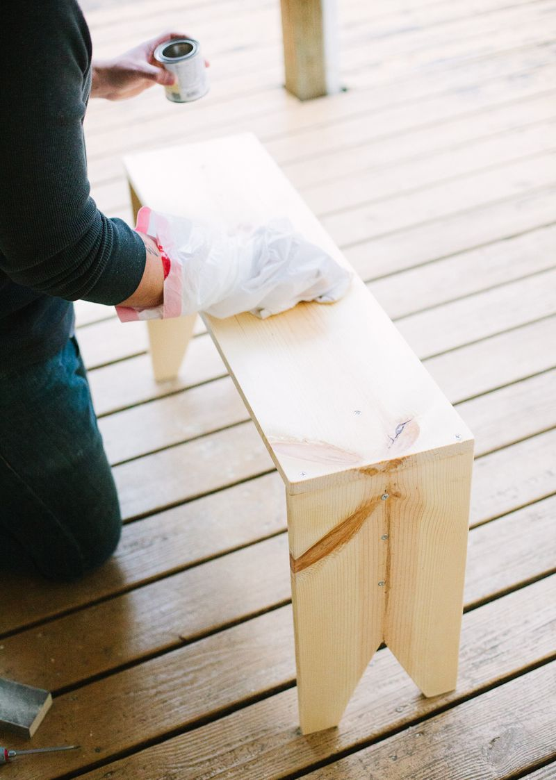 How to make a wooden-bench
