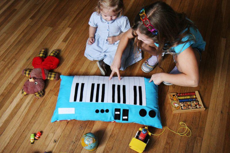 Keyboard Piano Plush Toy (finished)