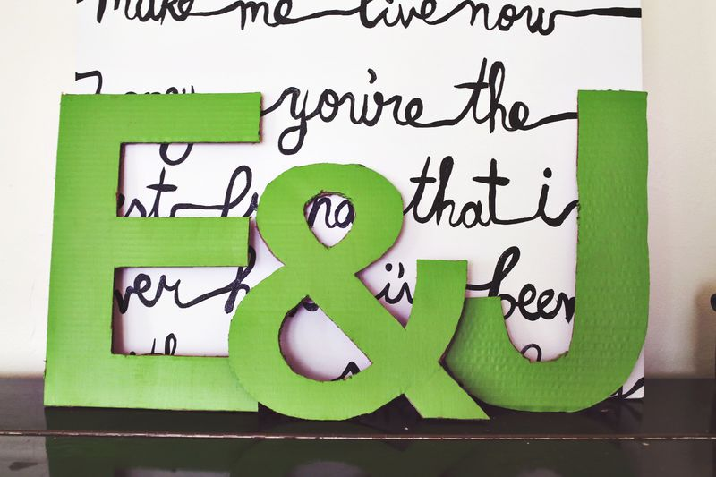 Easy cardboard letters for the home