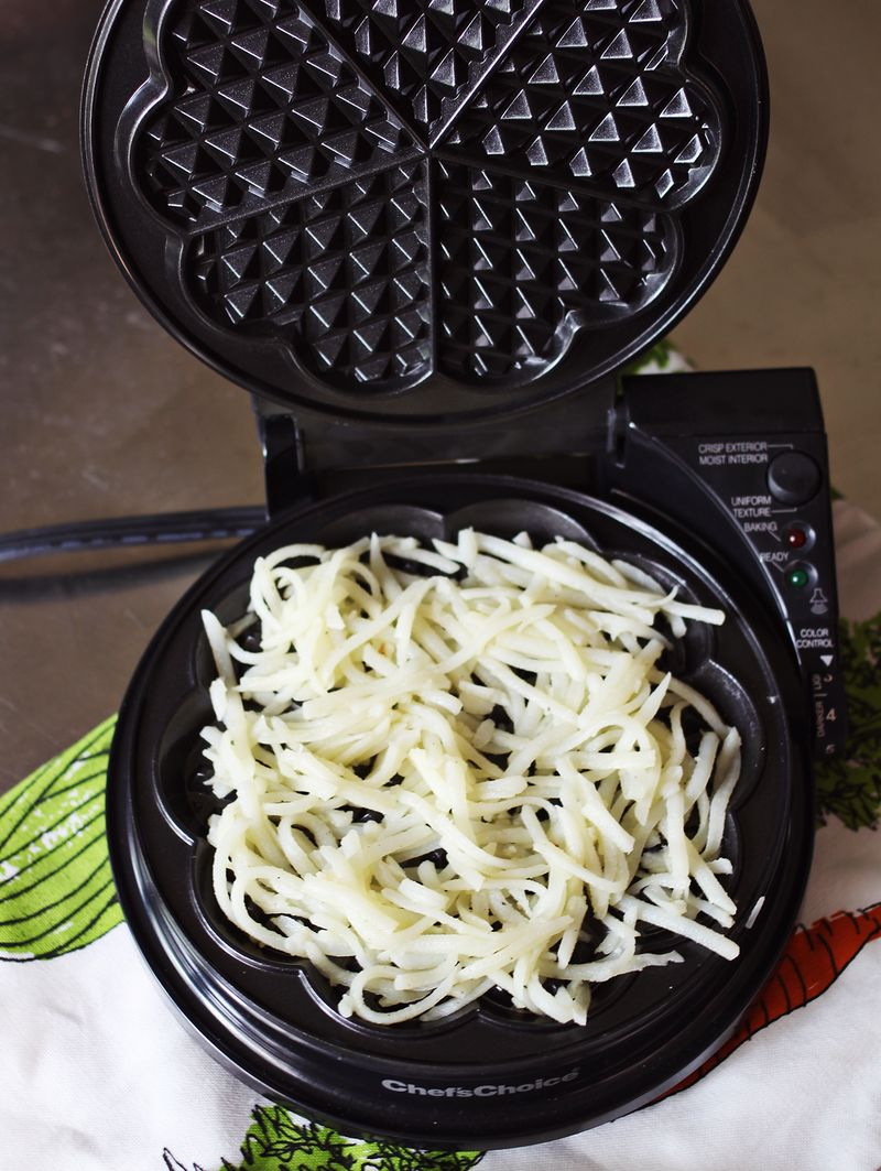 Making hashbrowns in a waffle iron