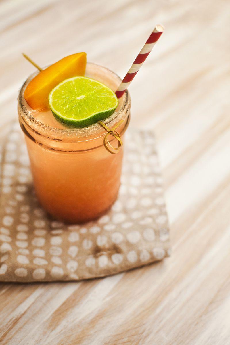 Peach Margarita Recipe (perfect for a back porch party!) www.abeautifulmess.com