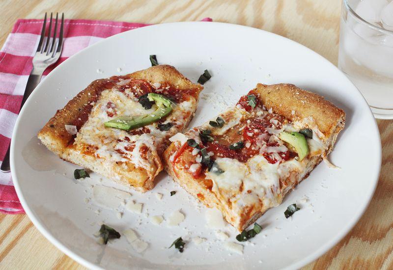 Garlic butter pizza crust recipe abeautifulmess.com