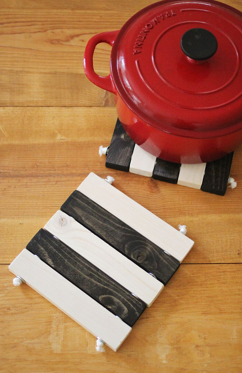 DIY trivets (click through for tutorial)