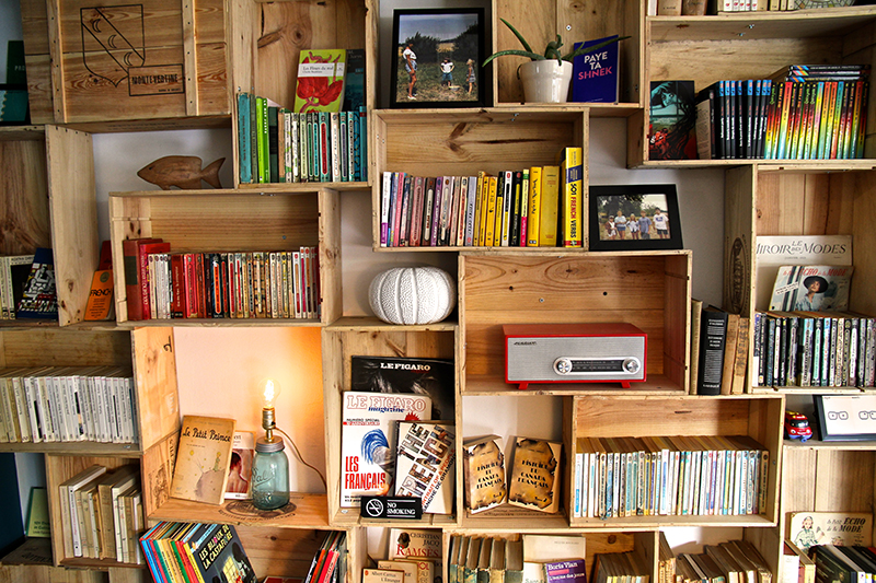 Totally in love with this bookshelf!