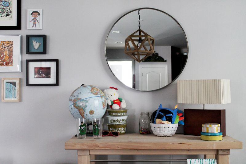 Love the circle mirror