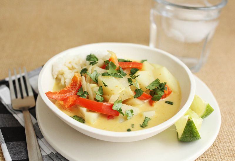 Simple yellow curry