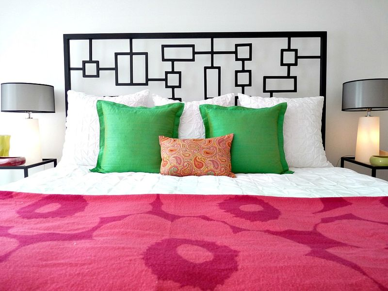 Love this colorful bedroom!