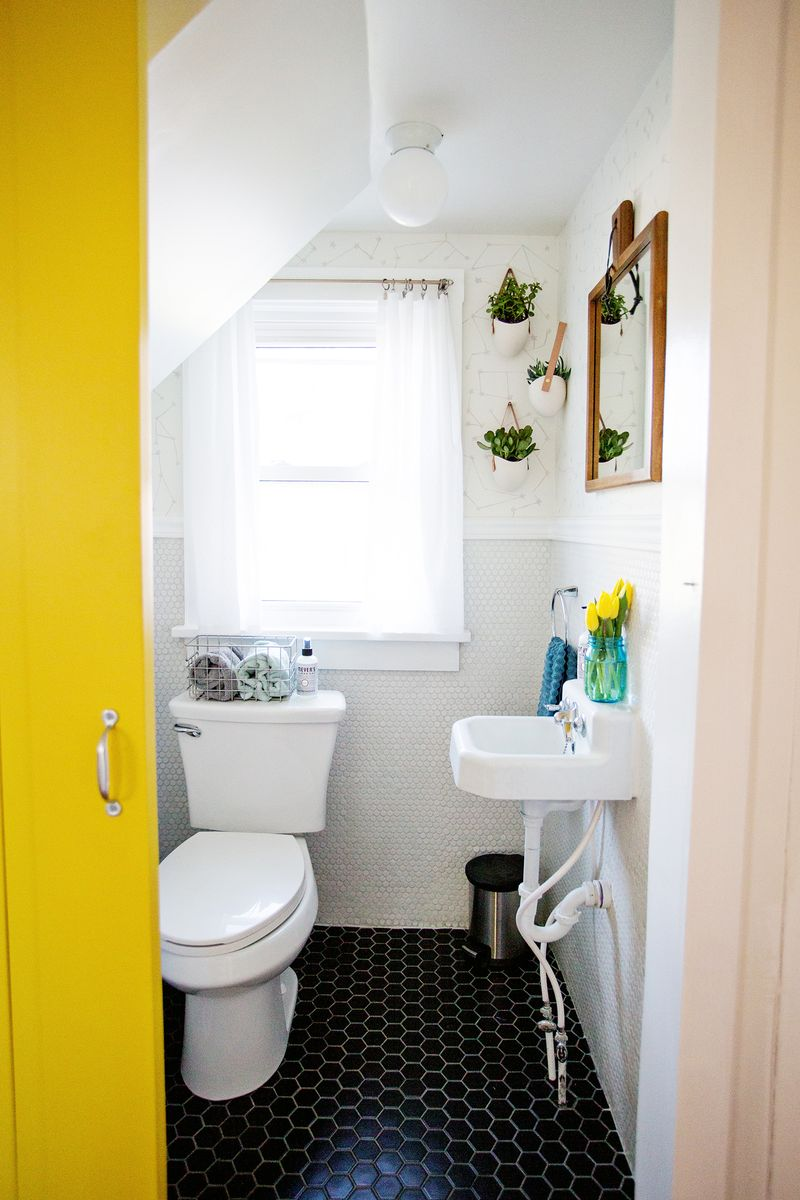 Crazy before:after makeover for an itty bitty bathroom!