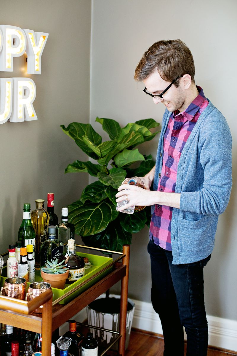 Happy Hour Marquee DIY (click thorugh for instructions) 19