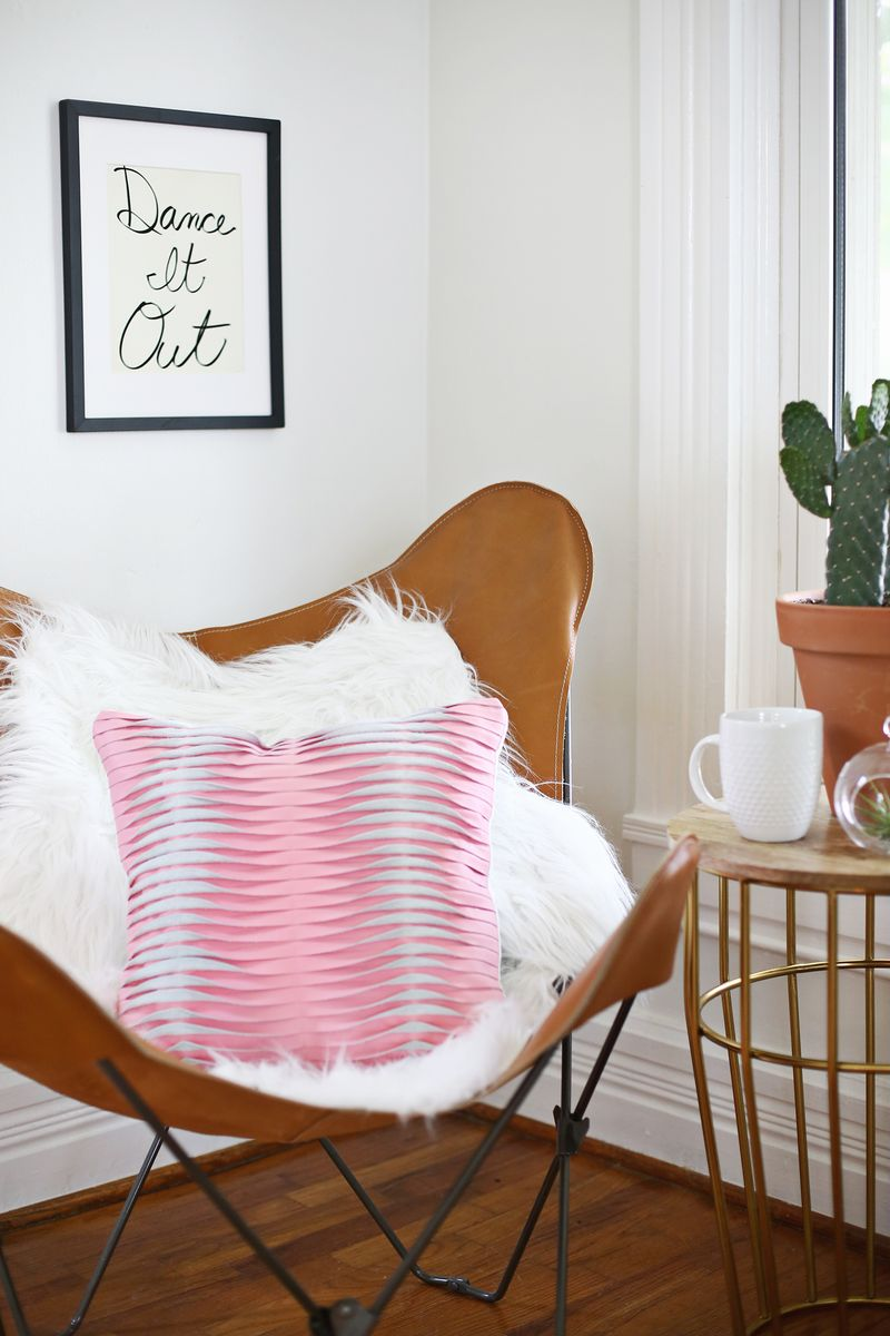 Textured Leather Pillow DIY (click through for tutorial)