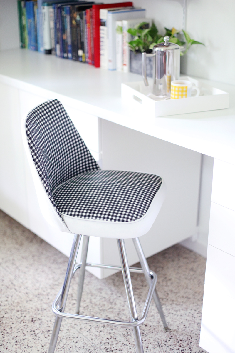 Enjoyable Vinyl Chair Makeover A Beautiful Mess Forskolin Free Trial Chair Design Images Forskolin Free Trialorg
