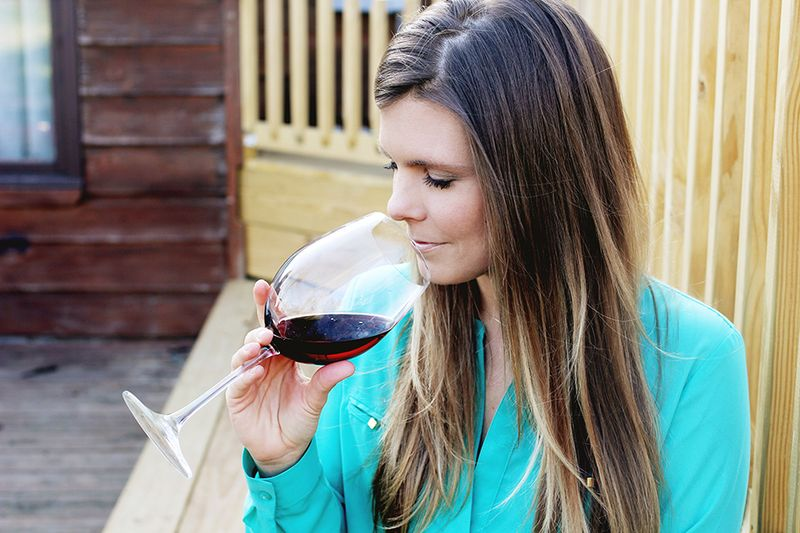 How to sniff red wine
