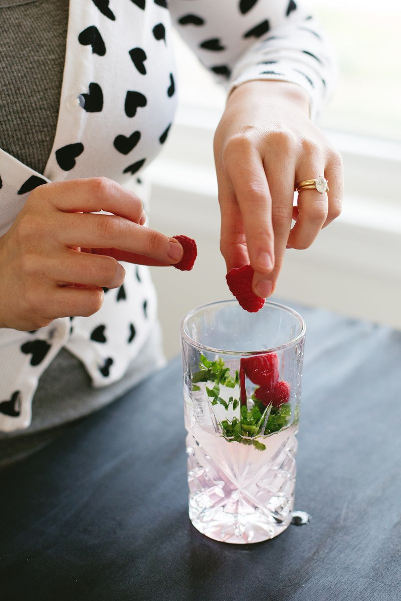 Raspberry Basil Mojito (click through for the recipe. so refreshing!!)