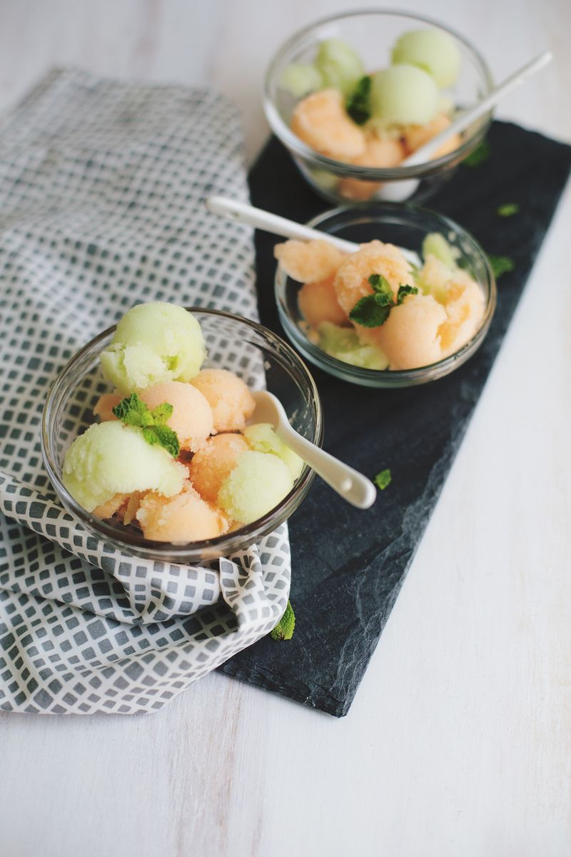 Melon sorbet without an ice cream machine