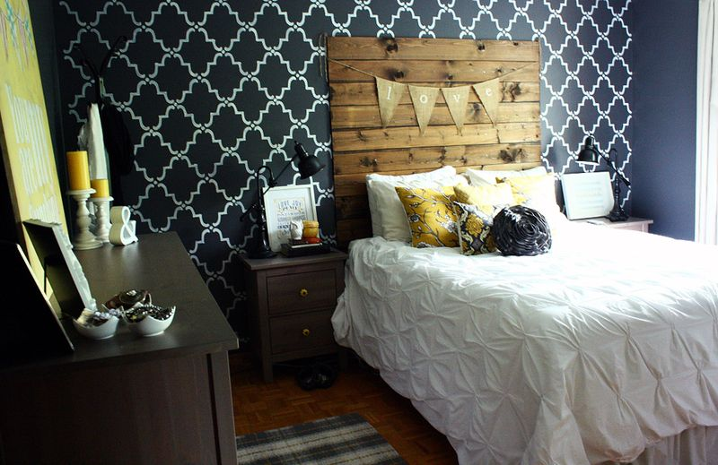 In love with the walls in this bedroom