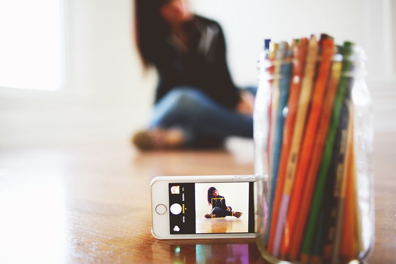 Setting up a selfie with the Muku Shuttr remote