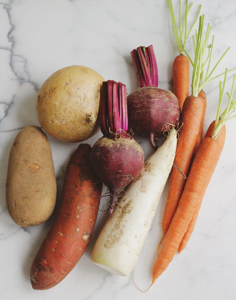 Homemade veggie chips (click through for recipe)