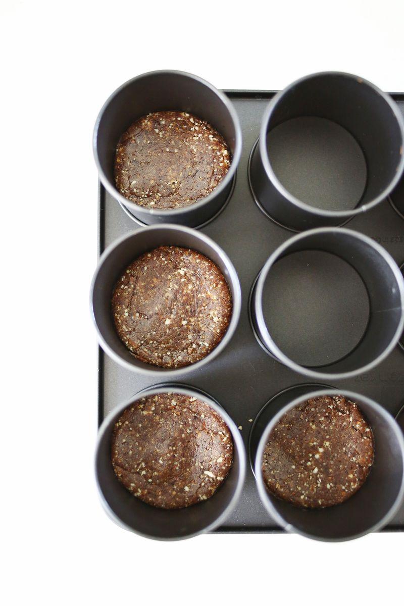 No-Bake Strawberry Cheesecake (Non-Dairy!) click through for recipe