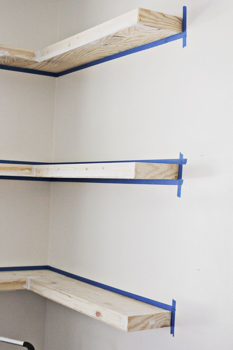 DIY floating shelves (spackle _ click through for more)