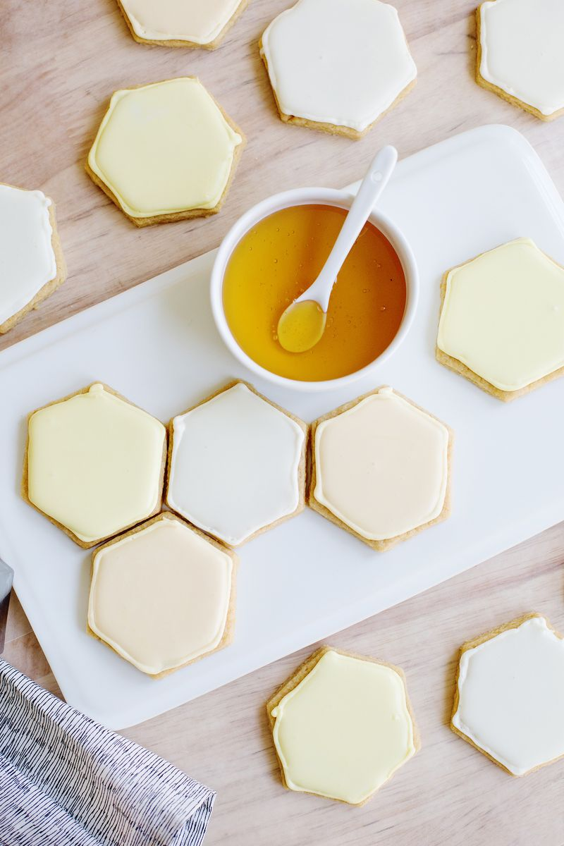 Honeycomb sugar cookies