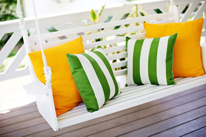 Build your own porch swing (click through for more before and after pics