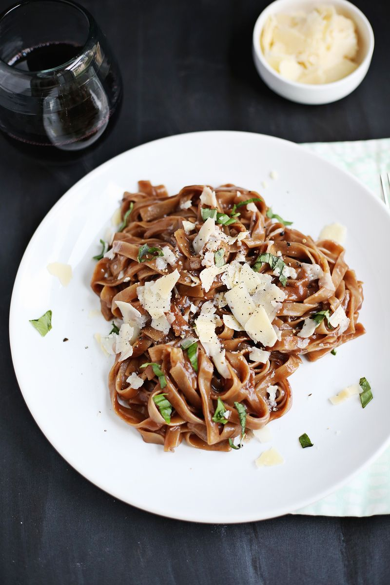 Red Wine One Pot Pasta (click through for recipe)