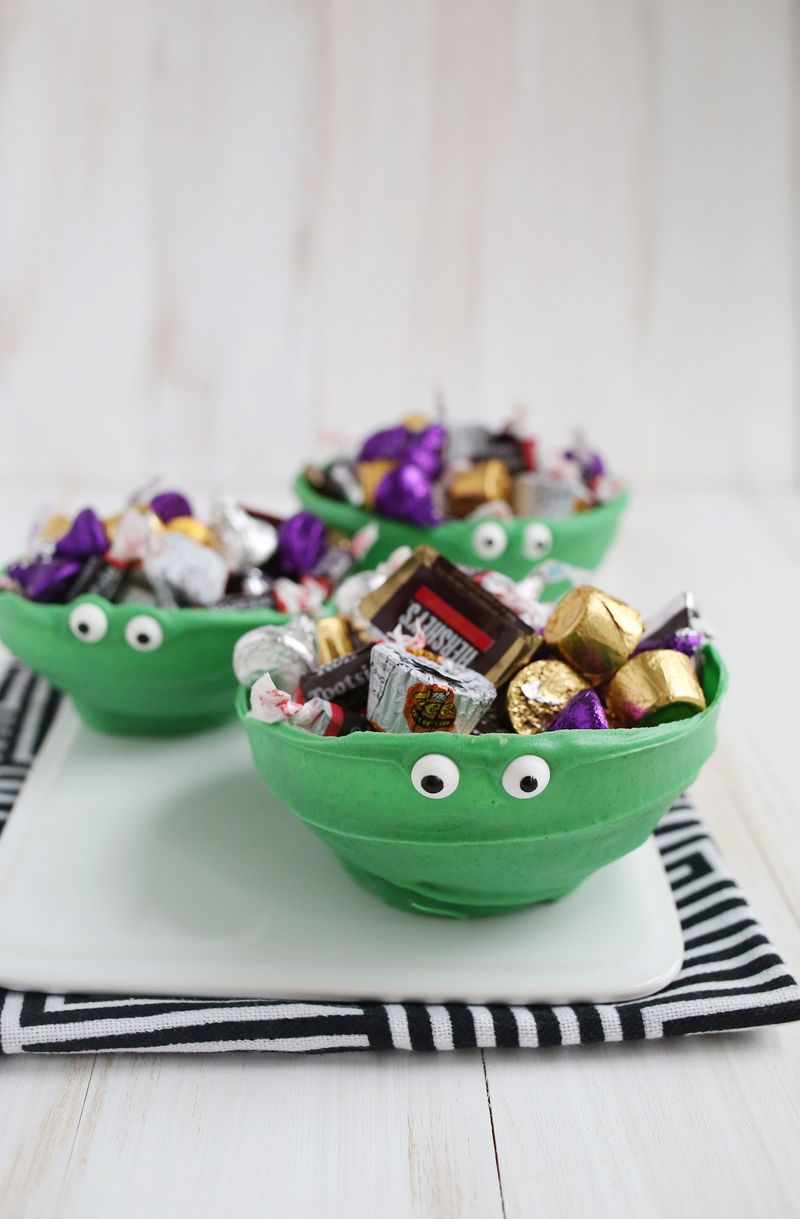 Chocolate monster bowls