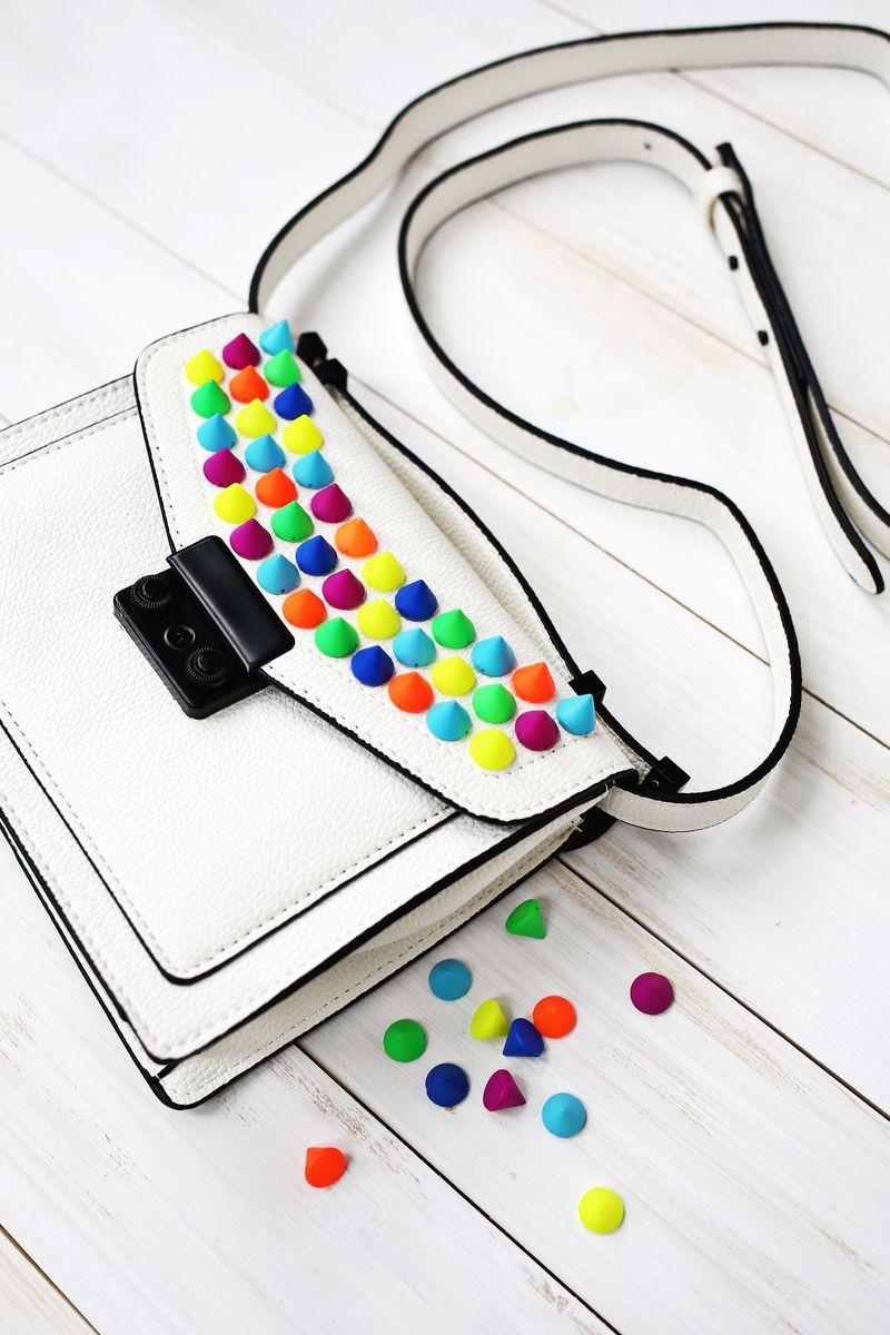 So fun! Upgrade a Handbag with Colorful Spikes (click through for more)