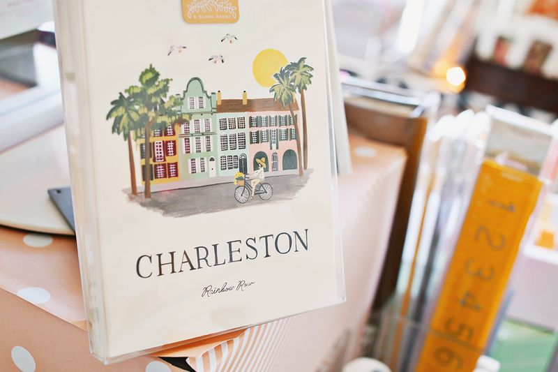 Mac & Murphy in Charleston, South Carolina (click through for a full travel guide!)