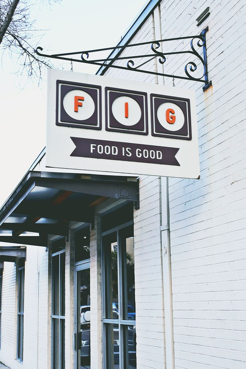 FIG in Charleston, South Carolina (click through for a full travel guide!)
