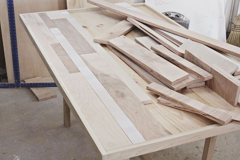 Make a dining room table that seats six