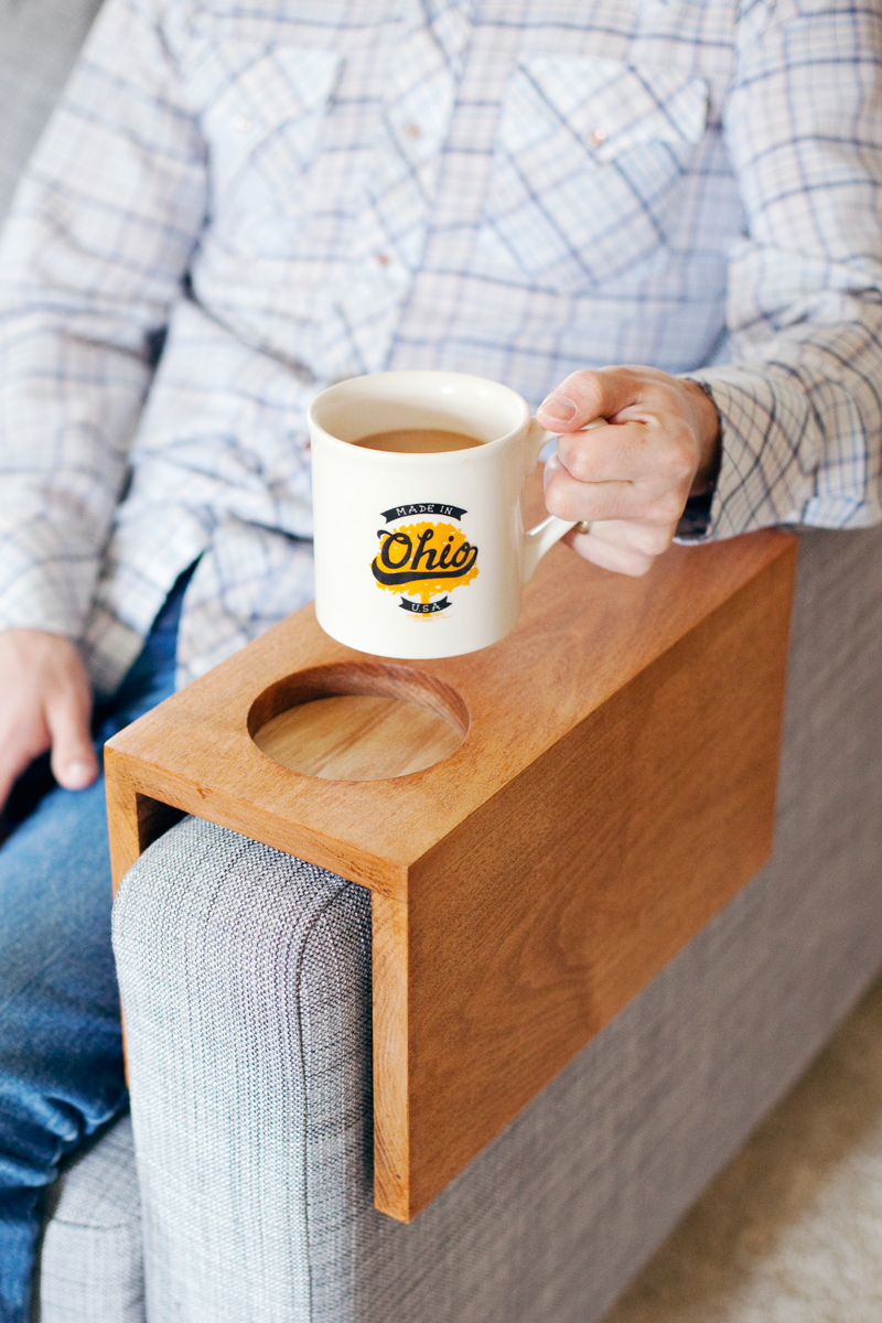 Make this handy sofa sleeve to keep your drinks nearby.