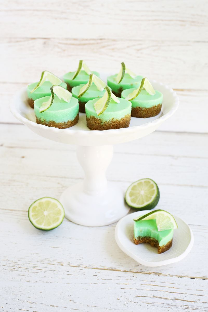 Adorable! Key lime pie jello shots! (click through for recipe)