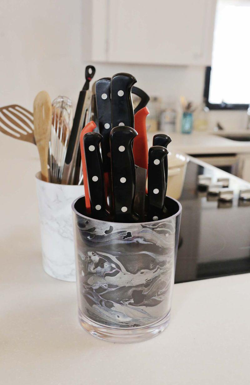 Easy DIY marbled knife holder