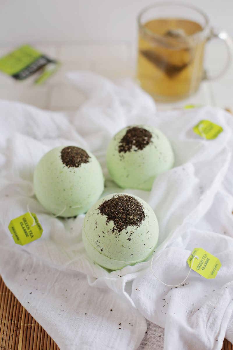 DIY Green Tea and Lemon Bath Bombs (via abeautifulmess.com)