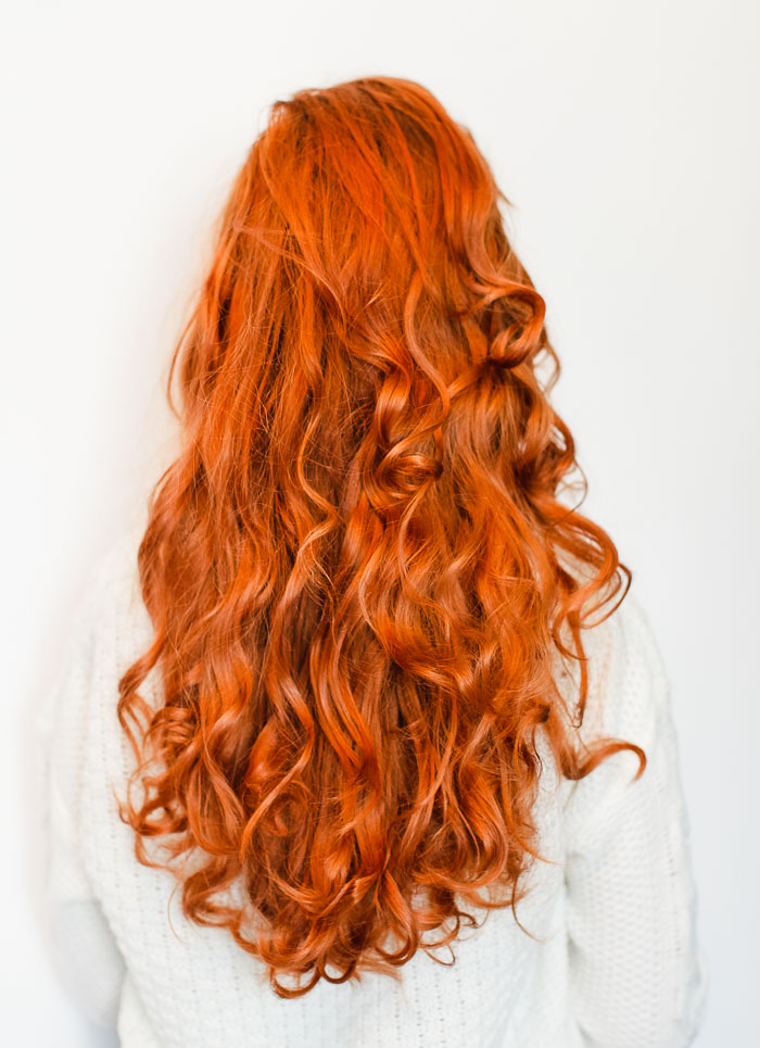 Easy no heat curls, try this style overnight for beautiful curls in the morning (click-through for the tutorial)
